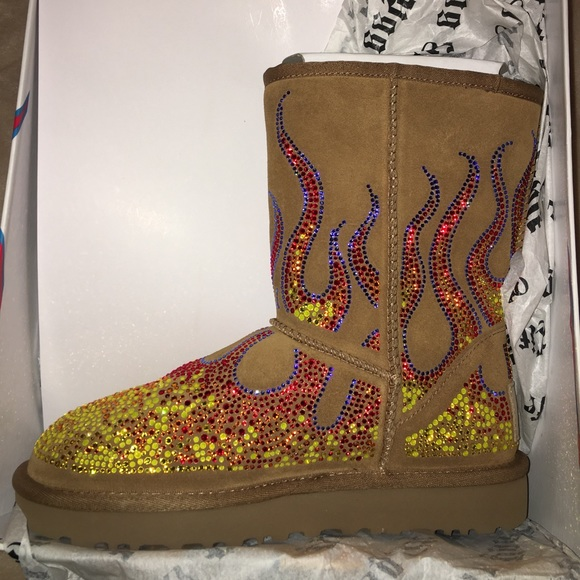 625612cc6561 Jeremy Scott Crystal Flames Ugg